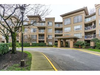 "Photo 2: 424 2551 PARKVIEW Lane in Port Coquitlam: Central Pt Coquitlam Condo for sale in ""THE CRESCENT"" : MLS®# R2228836"
