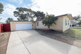 Photo 1: CLAIREMONT House for sale : 3 bedrooms : 5021 Glasgow Dr in San Diego