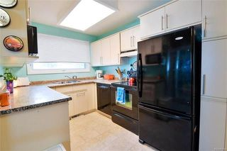 Photo 6: 75 Amarynth Crescent in Winnipeg: Crestview Residential for sale (5H)  : MLS®# 1813661