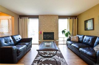 Photo 3: 75 Amarynth Crescent in Winnipeg: Crestview Residential for sale (5H)  : MLS®# 1813661
