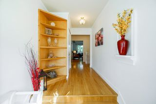 Photo 2: 882 GLENCOE Drive in Port Moody: Glenayre House for sale : MLS®# R2272914