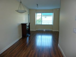 "Photo 2: 208 11935 BURNETT Street in Maple Ridge: East Central Condo for sale in ""KENSIGNTON PLACE"" : MLS®# R2275775"