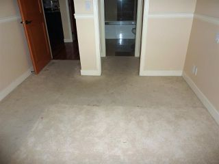 "Photo 11: 208 11935 BURNETT Street in Maple Ridge: East Central Condo for sale in ""KENSIGNTON PLACE"" : MLS®# R2275775"