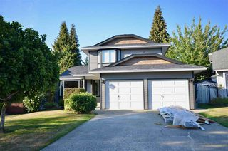 Photo 1: 21159 92B Avenue in Langley: Walnut Grove House for sale : MLS®# R2306786