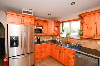 Photo 3: 26994 30 Avenue in Langley: Aldergrove Langley House for sale : MLS®# R2314909