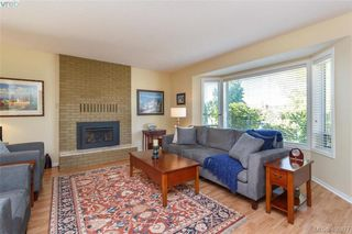Photo 3: 4421 Bartholomew Place in VICTORIA: SE Gordon Head Single Family Detached for sale (Saanich East)  : MLS®# 400877