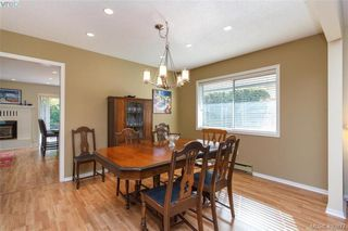 Photo 5: 4421 Bartholomew Place in VICTORIA: SE Gordon Head Single Family Detached for sale (Saanich East)  : MLS®# 400877