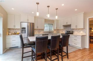 Photo 12: 4421 Bartholomew Place in VICTORIA: SE Gordon Head Single Family Detached for sale (Saanich East)  : MLS®# 400877