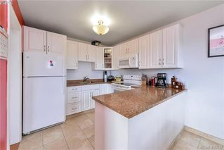 Photo 6: 403 1215 Bay Street in VICTORIA: Vi Fernwood Condo Apartment for sale (Victoria)  : MLS®# 405037