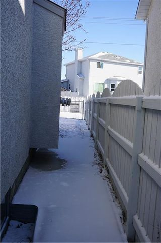 Photo 3: 103 APPLEWOOD Way SE in Calgary: Applewood Park Detached for sale : MLS®# C4225853