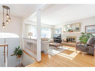 Photo 3: 805 REGAN Avenue in Coquitlam: Coquitlam West House for sale : MLS®# R2340177