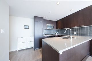 Photo 10: 2906 2975 ATLANTIC Avenue in Coquitlam: North Coquitlam Condo for sale : MLS®# R2346149