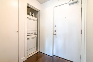 """Photo 12: 2104 1255 SEYMOUR Street in Vancouver: Downtown VW Condo for sale in """"Elan"""" (Vancouver West)  : MLS®# R2356850"""
