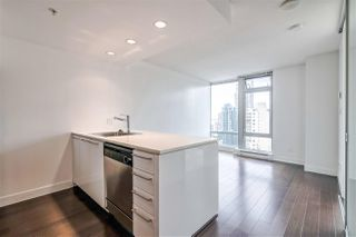 """Photo 3: 2104 1255 SEYMOUR Street in Vancouver: Downtown VW Condo for sale in """"Elan"""" (Vancouver West)  : MLS®# R2356850"""