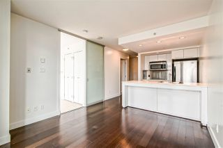 """Photo 8: 2104 1255 SEYMOUR Street in Vancouver: Downtown VW Condo for sale in """"Elan"""" (Vancouver West)  : MLS®# R2356850"""