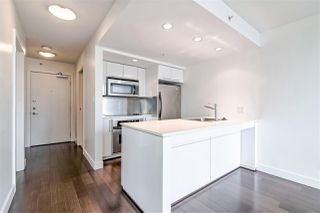 """Photo 5: 2104 1255 SEYMOUR Street in Vancouver: Downtown VW Condo for sale in """"Elan"""" (Vancouver West)  : MLS®# R2356850"""