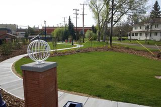Photo 7: 9413 101 Street in Edmonton: Zone 12 House for sale : MLS®# E4157210