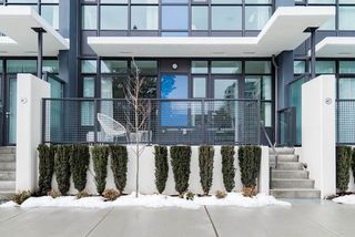"""Photo 1: 22 3333 SEXSMITH Road in Richmond: West Cambie Townhouse for sale in """"SORRENTO EAST"""" : MLS®# R2380959"""