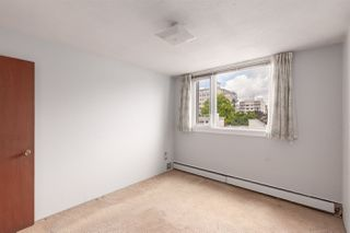 "Photo 11: 402 2165 W 40TH Avenue in Vancouver: Kerrisdale Condo for sale in ""THE VERONICA"" (Vancouver West)  : MLS®# R2383809"