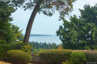 Photo 4: 820 Del Monte Lane in VICTORIA: SE Cordova Bay House for sale (Saanich East)  : MLS®# 821475