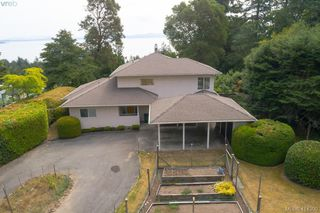 Photo 8: 820 Del Monte Lane in VICTORIA: SE Cordova Bay House for sale (Saanich East)  : MLS®# 821475
