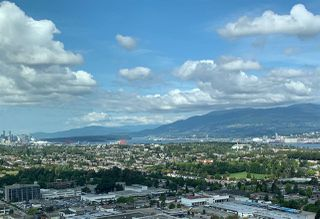 """Photo 1: 3708 1788 GILMORE Avenue in Burnaby: Brentwood Park Condo for sale in """"Escala"""" (Burnaby North)  : MLS®# R2400127"""