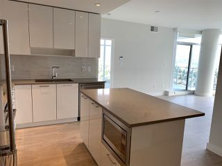 """Photo 5: 3708 1788 GILMORE Avenue in Burnaby: Brentwood Park Condo for sale in """"Escala"""" (Burnaby North)  : MLS®# R2400127"""