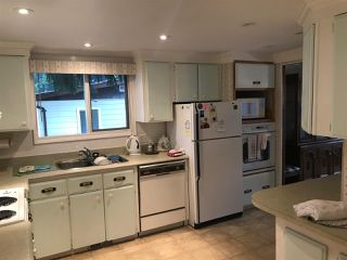 """Photo 2: 284 1840 160 Street in Surrey: King George Corridor Manufactured Home for sale in """"Breakaway Bays"""" (South Surrey White Rock)  : MLS®# R2405064"""