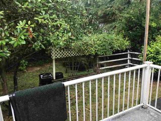 """Photo 18: 284 1840 160 Street in Surrey: King George Corridor Manufactured Home for sale in """"Breakaway Bays"""" (South Surrey White Rock)  : MLS®# R2405064"""