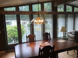 """Photo 5: 284 1840 160 Street in Surrey: King George Corridor Manufactured Home for sale in """"Breakaway Bays"""" (South Surrey White Rock)  : MLS®# R2405064"""