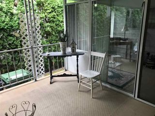 """Photo 11: 284 1840 160 Street in Surrey: King George Corridor Manufactured Home for sale in """"Breakaway Bays"""" (South Surrey White Rock)  : MLS®# R2405064"""