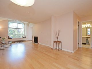 Photo 7: 301 1465 COMOX STREET in Vancouver: West End VW Condo for sale (Vancouver West)  : MLS®# R2287537