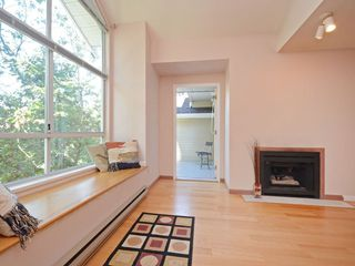 Photo 3: 301 1465 COMOX STREET in Vancouver: West End VW Condo for sale (Vancouver West)  : MLS®# R2287537