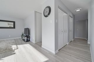 Photo 5: 18412 80 Avenue in Edmonton: Zone 20 House for sale : MLS®# E4188659