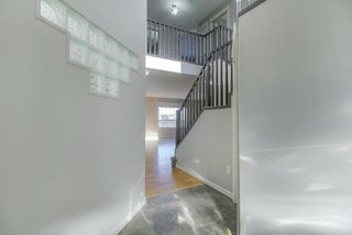 Photo 2: 1044 BARNES Way in Edmonton: Zone 55 House for sale : MLS®# E4199538