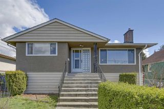 Photo 1: 5050 BOUNDARY Road in Burnaby: Central Park BS House for sale (Burnaby South)  : MLS®# R2461594