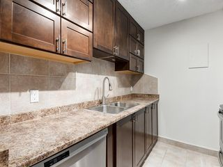 Photo 5: 1004 4944 DALTON Drive NW in Calgary: Dalhousie Apartment for sale : MLS®# C4305010