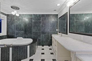 """Photo 17: 12099 NEW MCLELLAN Road in Surrey: Panorama Ridge House for sale in """"Panorama Ridge"""" : MLS®# R2470481"""