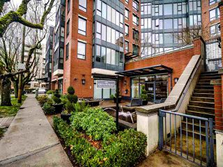 "Photo 2: 325 3228 TUPPER Street in Vancouver: Cambie Condo for sale in ""Olive"" (Vancouver West)  : MLS®# R2520411"