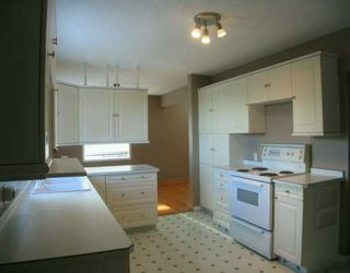 Photo 3:  in CALGARY: Thorncliffe Residential Detached Single Family for sale (Calgary)  : MLS®# C3116280