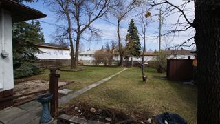 Photo 3: 325 Dunbeath Avenue in Winnipeg: North Kildonan Residential for sale (North East Winnipeg)  : MLS®# 1207381