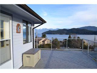 Main Photo: 559 GIBSONS Way in Gibsons: Gibsons & Area House for sale (Sunshine Coast)  : MLS®# V1047299
