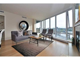 "Photo 2: 1603 8 SMITHE Mews in Vancouver: False Creek Condo for sale in ""Flagship"" (Vancouver West)  : MLS®# V1064248"