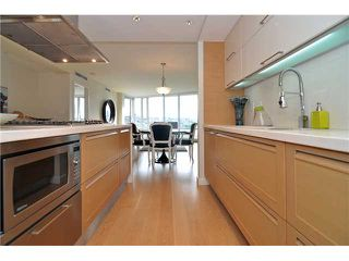 "Photo 8: 1603 8 SMITHE Mews in Vancouver: False Creek Condo for sale in ""Flagship"" (Vancouver West)  : MLS®# V1064248"
