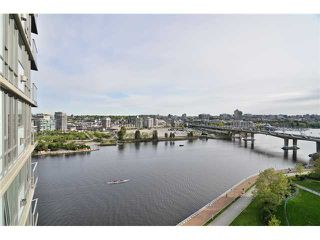 "Photo 17: 1603 8 SMITHE Mews in Vancouver: False Creek Condo for sale in ""Flagship"" (Vancouver West)  : MLS®# V1064248"