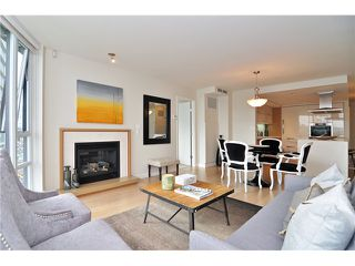 "Photo 3: 1603 8 SMITHE Mews in Vancouver: False Creek Condo for sale in ""Flagship"" (Vancouver West)  : MLS®# V1064248"