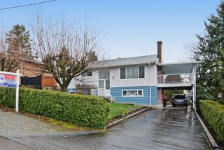 Photo 1: 2060 COLTON Avenue in Coquitlam: Central Coquitlam House for sale : MLS®# R2038334
