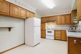 Photo 2: 2060 COLTON Avenue in Coquitlam: Central Coquitlam House for sale : MLS®# R2038334