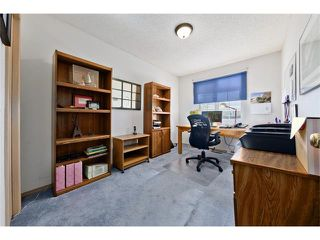 Photo 20: 201 Riverwood Close SE in Calgary: Riverbend House for sale : MLS®# C4055176