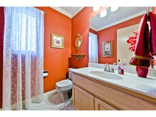 Photo 11: 201 Riverwood Close SE in Calgary: Riverbend House for sale : MLS®# C4055176